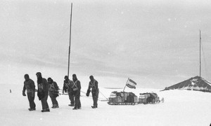 First Australasian Antarctic Expedition : sledging from Commonwealth Bay